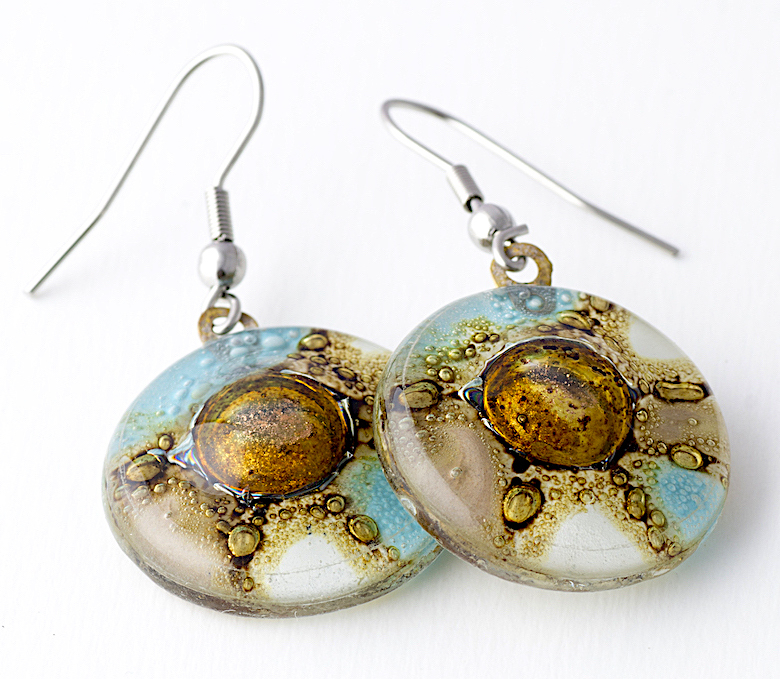 Turquoise, natural & white Round Earrings by Cristalida