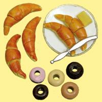 MINIATURE --CROISSANTS  ON PLATE & DONUTS